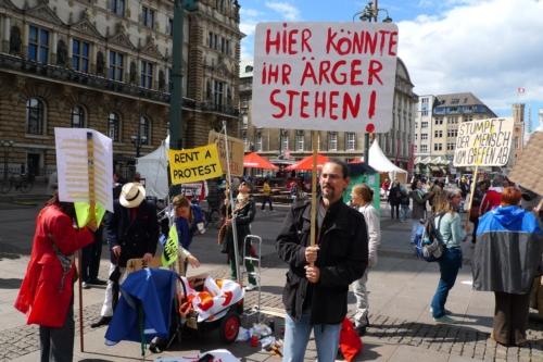Demo zum Aktionstag der Koalition der Freien auf dem Rathausmarkt Hamburg