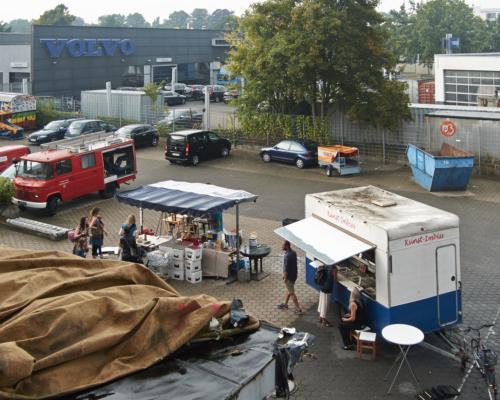 Aufbau für die große Party im Hof - 2025ev Sommerfest 2015