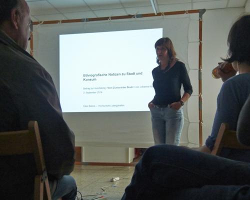 Ellen Bareis beim Vortrag