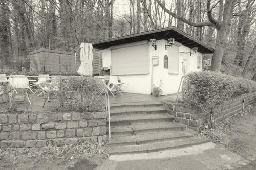 Kleiner Kiosk am Falkensteiner Ufer, geschlossen