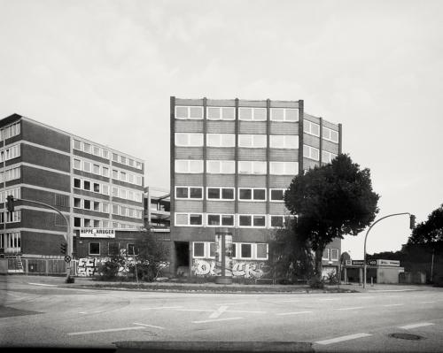 Haus am Billhorner Deich. Aufnahme direkt belichtet auf 4x5 Fotopapier.