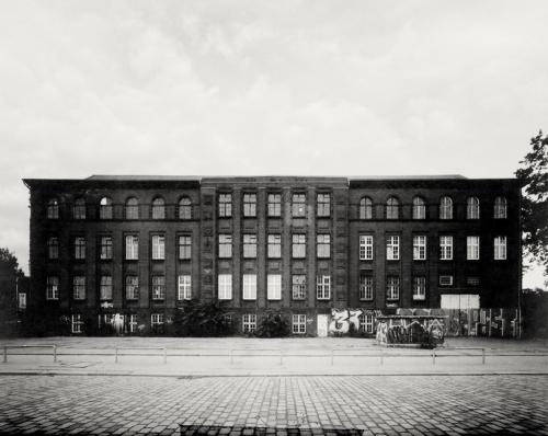 Kraftwerk Bullerdeich. Aufnahme direkt belichtet auf 4x5 Fotopapier.