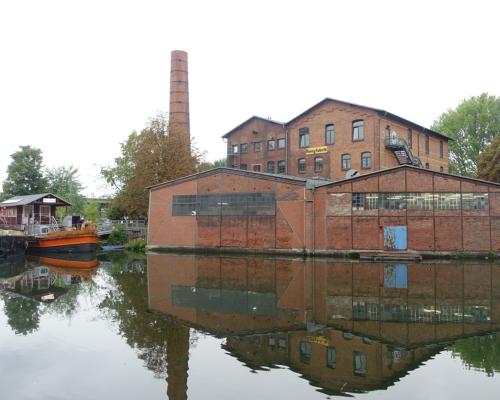 Honigfabrik am Kanal