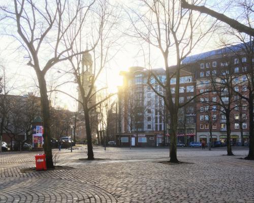 Sonnenschein am Großneumarkt