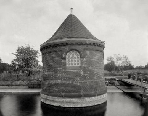 Schieberhäuschen in Hamburg Kaltehofe. Direktbelichtung auf 4x5 Fotopapier. Papernegative.