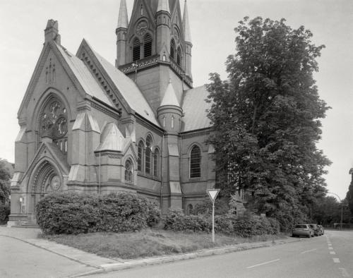 Kreuzkirche Ottensen, analoge Aufnahme im 4x5 Großformat