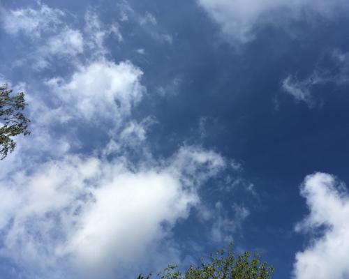 Plötzlicher blauer Himmel (für 5 Minuten)